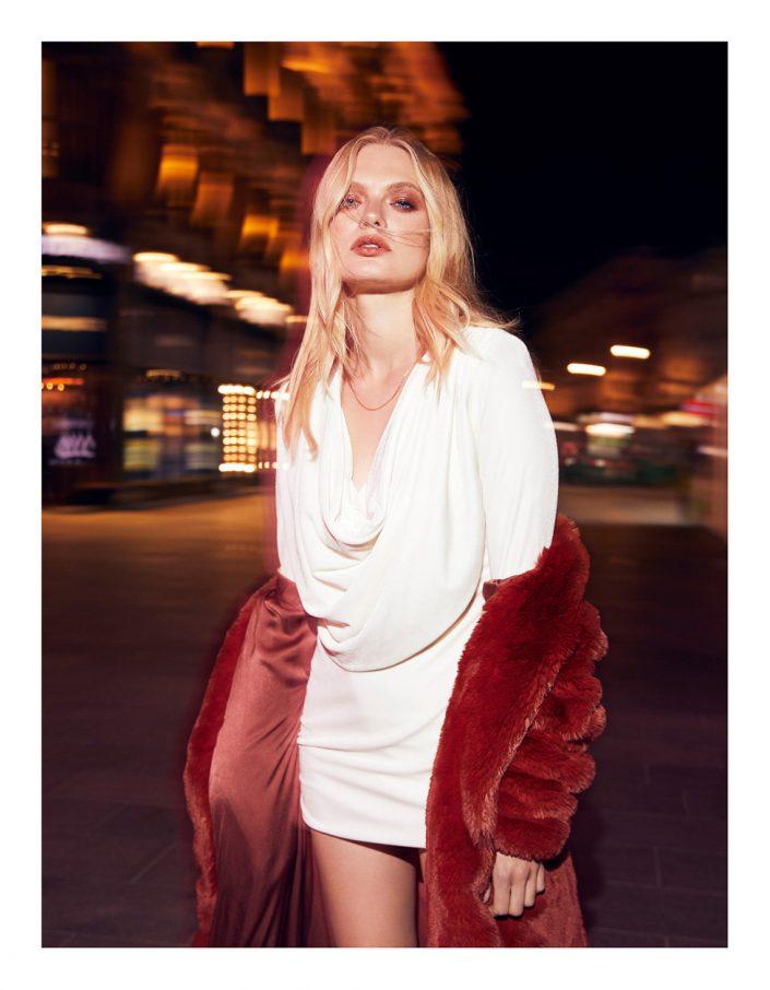 Ekin Can Bayrakdar Model Standing Lights Night London Red Coat Street Ekin Can Bayrakdar - Fashion Photographer https://ekincanbayrakdar.com/